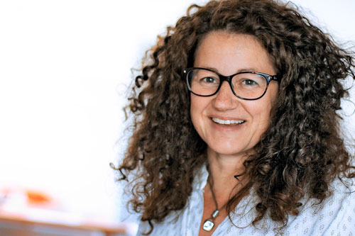 Karin Isaak, Ausbildung bei der Firma Isaak